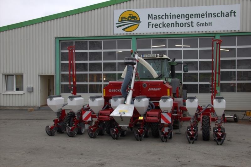 Becker Maislegemaschine 8-reihig