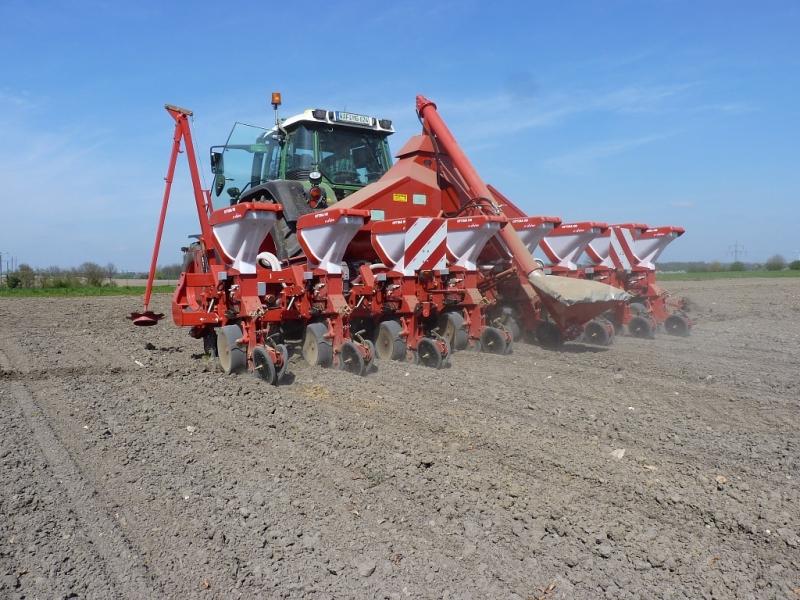Kverneland Maislegemaschine 8-reihig